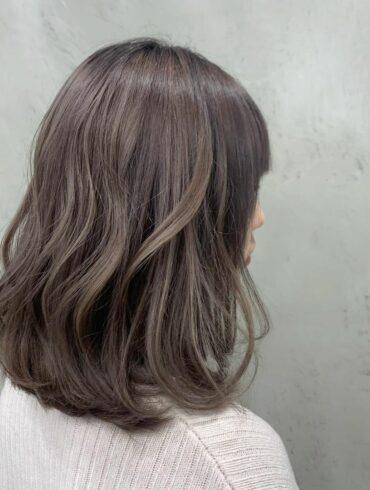 啞啡微捲髮