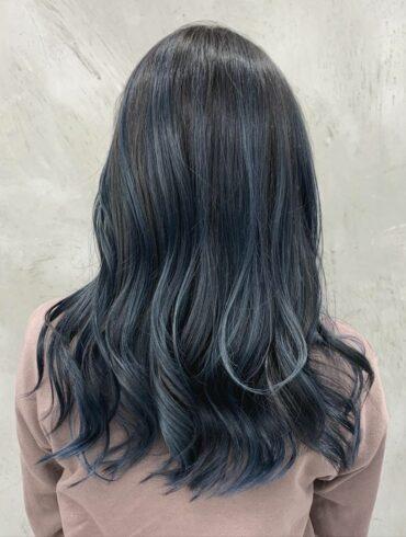 復古淺灰藍微捲髮