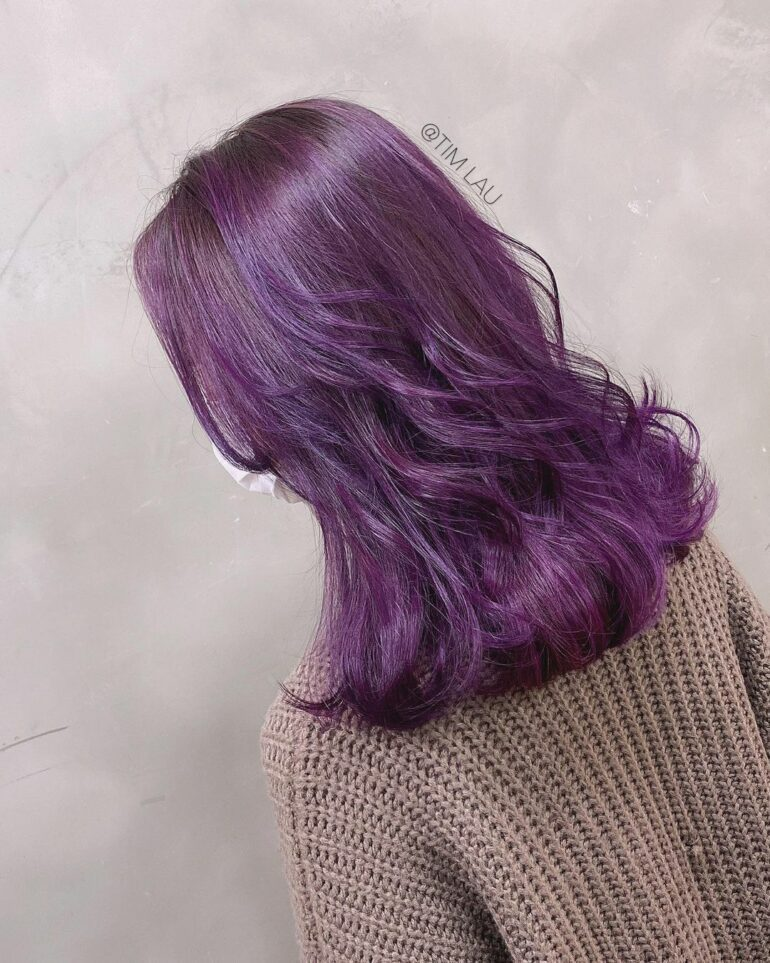 微捲髮襯青春亮麗紫